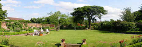The garden at luxury self catering holiday apartment near Edinburgh